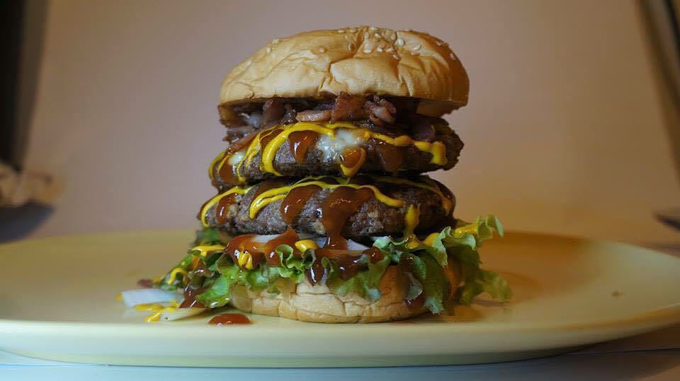 "DOUBLE BACON CHEESEBURGER ""PUCKDOWN"""